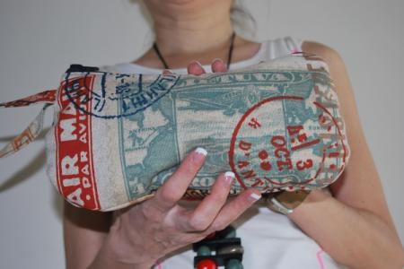 Wristlet travel pouch for night days by El rincón de la Pulga